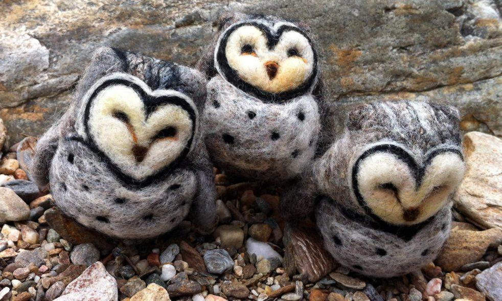 cropped-leah-wilson-felted-owls-on-the-beach.jpg