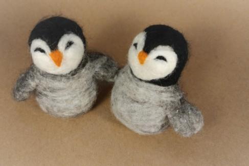 Penguin photo1 felting